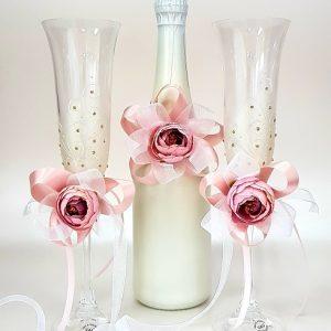 """Сватбен комплект """"Бяло и роза"""""""