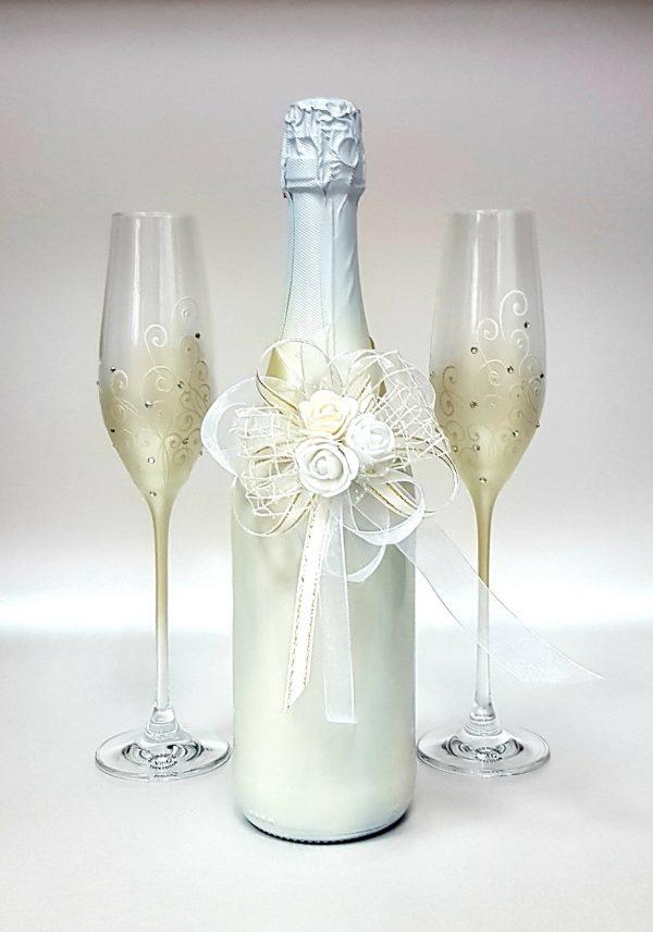"""Сватбен комплект """"Бяла роза и екрю"""""""